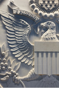 5 Us%20Embassy%20London Seal Detail (JPG)
