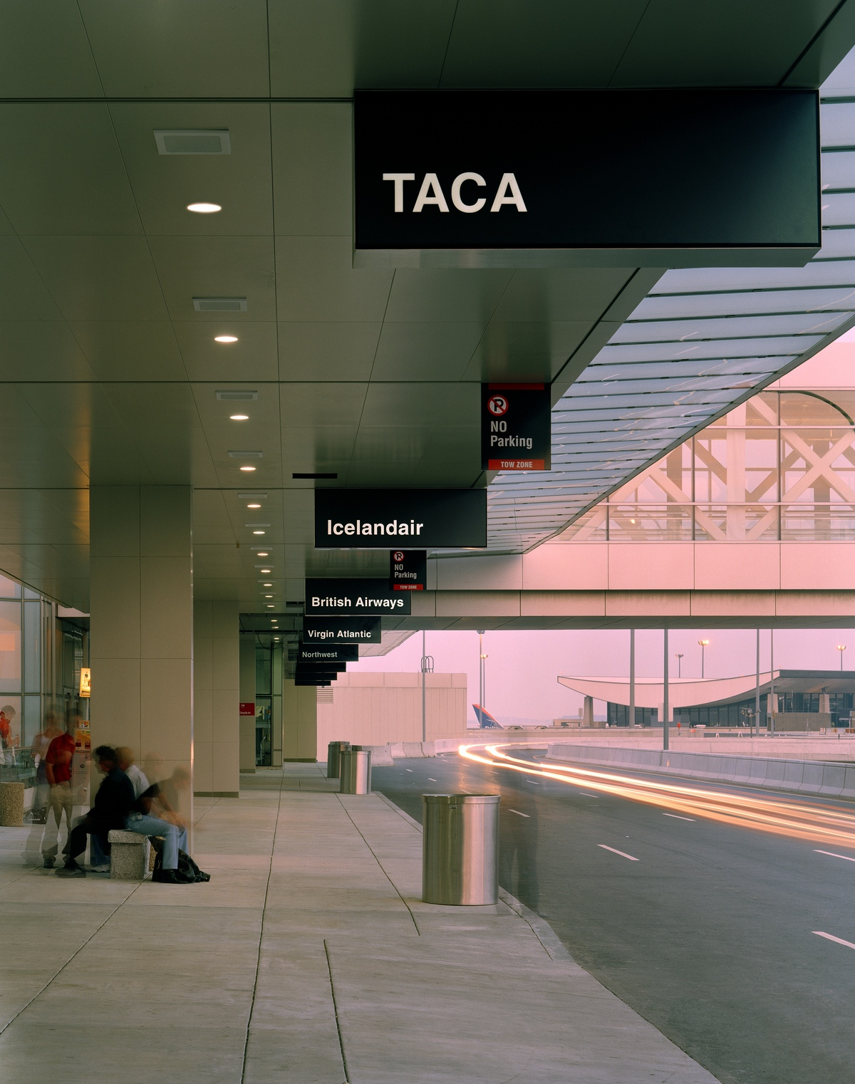Project image 6 for Terminal E Signage, Logan International Airport