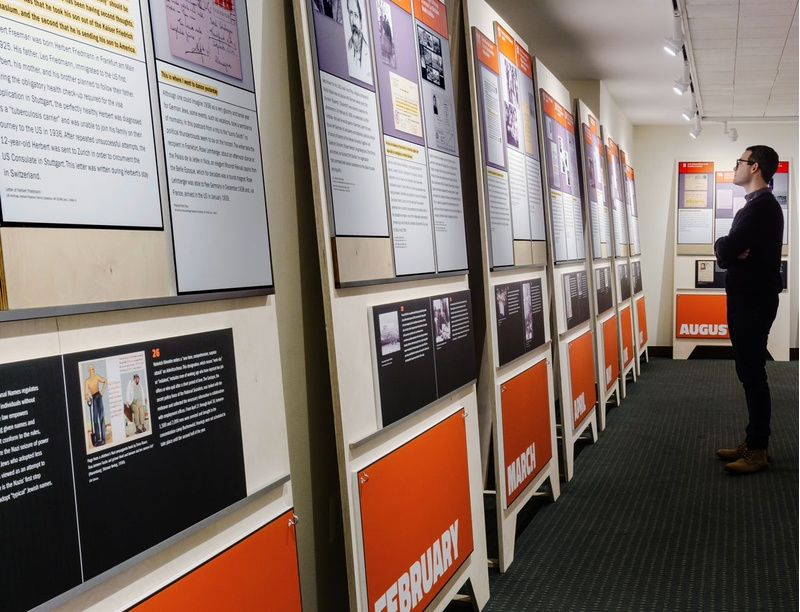 exhibit design for the leo baeck institute